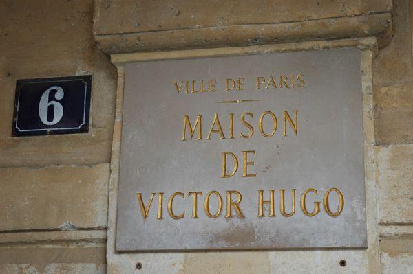 Vhugo2_sign