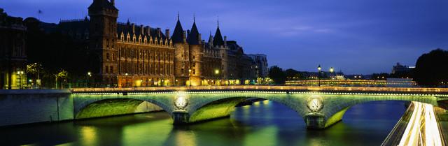 Parisnightconciergerie