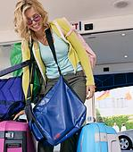Woman_baggage1